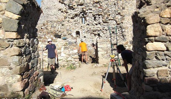 Finalitzada la 12a campanya d'excavacions arqueològiques al Castell de Sant Iscle (Vidreres)